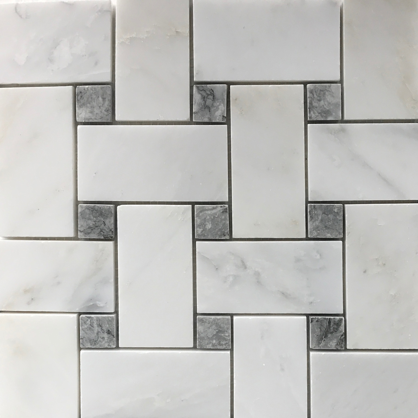 Large Basket Mosaic Eastern White